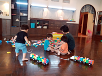 1才児ブロック遊び